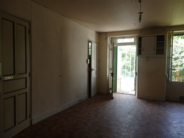 House to Renovate near Bellac in the Haute Vienne 14518