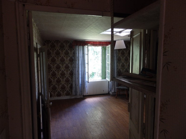 House to Renovate near Bellac in the Haute Vienne 14519