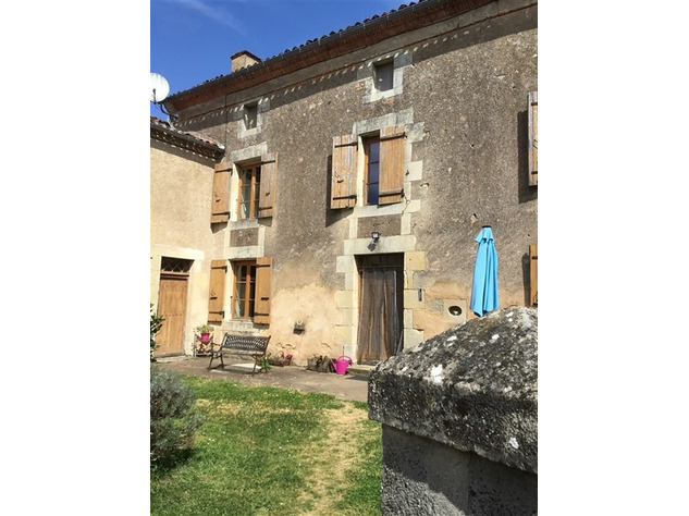 Spacious, Stone Village House for Sale in Luchapt - Vienne 14213