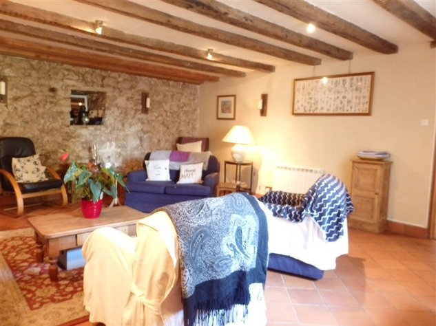 Spacious, Stone Village House for Sale in Luchapt - Vienne 14204